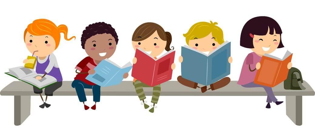 किताबों से से दूर जाती आज की पीढ़ी